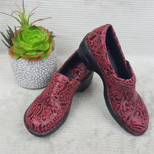 BOC Born Red Tooled Leather Loafers Size 8.5 M